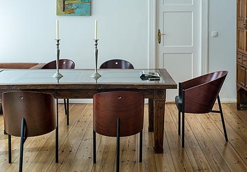 Costes Chair im Raum