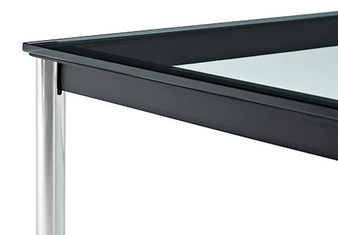 Detailansicht des Corbusier LC10 Tisches